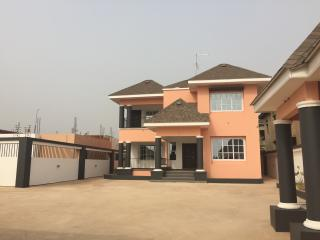 4 bedroom house in East Legon