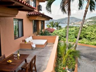 Relaxing and Romantic Condo With Dreamy Ocean View 2BR