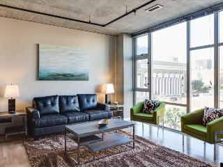 Stay Alfred Spacious 3BR Loft in the Gaslamp L63, San Diego
