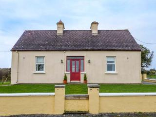 THE COTTAGE, all ground floor, ample parking, garden to front and rear, in Ballaghaderreen, Ref 934168