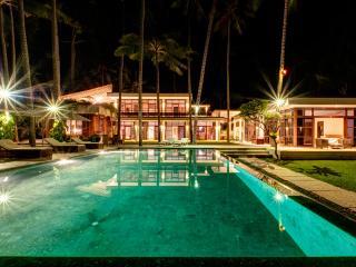 3 Bed room Beach front Gita Segara Villa