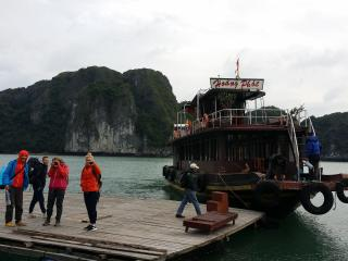 Private yacht . Tourism experience , Overnight, Cat Ba