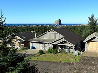 Fun 7 Bedroom home with views and close to beach!, Pacific City