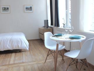 Schindler Rentals - AARONS-, Lille