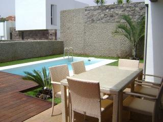 Luxury villas with pool for your next vacation, Playa de Fañabé