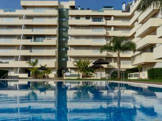 Aphex White Apartment, Vilamoura, Algarve