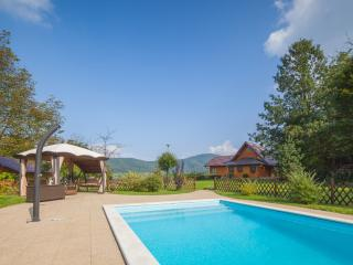 Deluxe lakefront Villa Jelenic with squash court