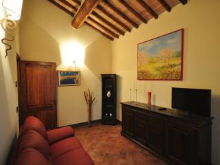 City escape near Siena. Relax under the Tuscan sun