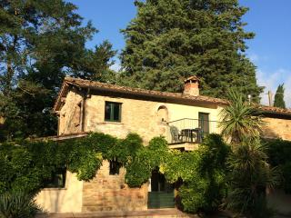 Farmhouse with pool in Shady Garden, San Giovanni del Pantano