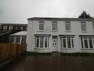 5 Bed House in heart of pontypridd