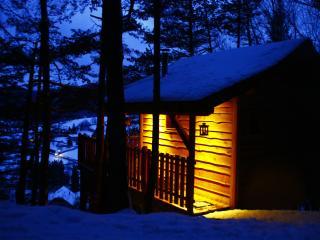 Là-Haut, cabanes dans les arbres avec spa, Chambery