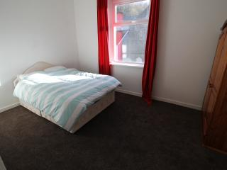 4 Bed House to sleep 8 people, Pontypridd
