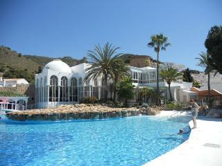 Apartamento turístico con piscina, Nerja