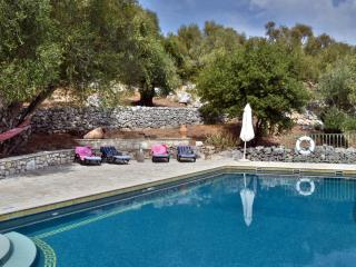 Luxury, Private Villa with Heated Pool