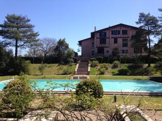 Villa  Appart - Design - Arboré - Piscine