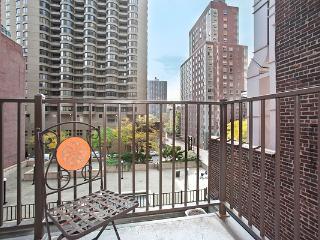 East 39th Street Furnished Studio with Balcony, Nueva York