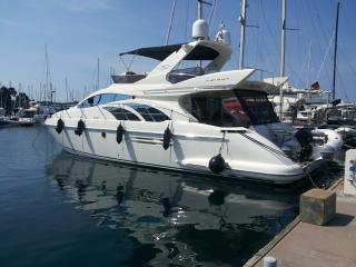 16m fly bridge yacht Azimut 50, Pirano