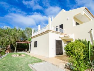 Quiet Villa wit Private Pool in Albufeira, Branqueira