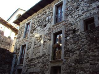 ALL'OMBRA DELL'ANTICA PIETRA, Orta San Giulio