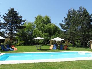 Rosiers:  light, airy, spacious, WIFI, heated pool
