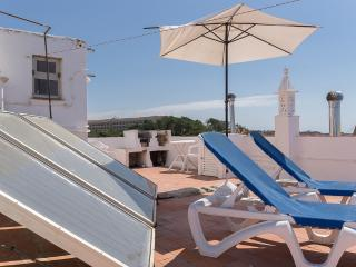 Sea View Apartment 30 meters from the Beach Albufe, Olhos de Agua