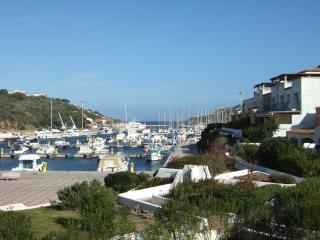 Trilocale fronte mare al porto turistico, Santa Teresa di Gallura