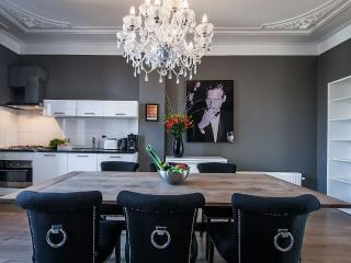 Modern and luxury apartment with 2 bedroom, Amsterdã