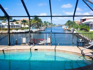 3 BED/BATH HGTV IDEAL VACATION HOME LONG WATERVIEW, Marco Island