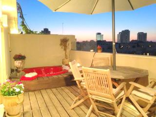 2 bedroom duplex with an amazing rooftop, Tel Aviv