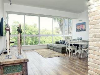 Designed modern  2 master bedrooms, Tel Aviv