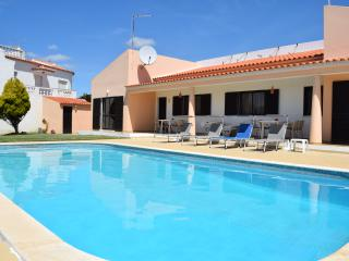Great Villa with Private Pool in Albufeira