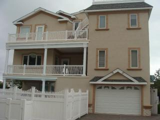 Luxury Beach Mansion 8 Bedrooms