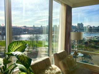Yaletown Downtown Vancouver, 2 Bedrooms w/ Views