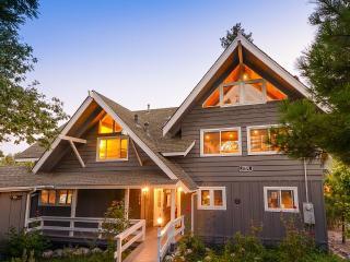 Newly Rebuilt Lake House Steps To The Lake