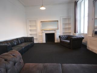 Princes Street 2nd Floor Apartment 25 Beds