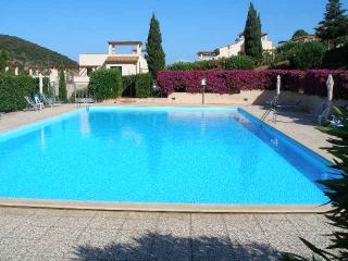 Bilocale in residence con piscina vicini al mare, Rio Nell'Elba