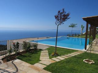 Amazing Luxurious Villa Enodia at Drimonas, Agios Nikitas