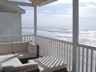 The 'Sugar Shack' - Top Floor Beachfront, Seagrove Beach