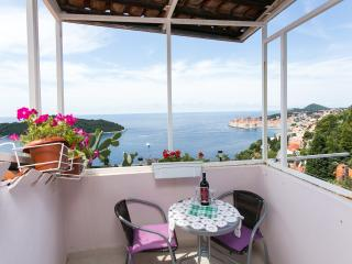 Vedrana - Apartment with Sea and Old Town View