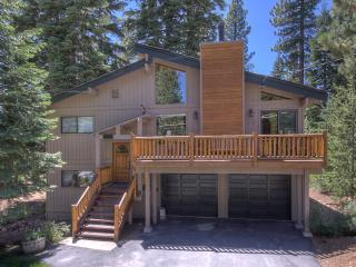Myers Luxury Dog Friendly Home - Backs to Forest, Carnelian Bay