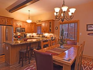 Aery Dog Friendly Luxury Cabin - Hot Tub, Lake Tahoe (California)