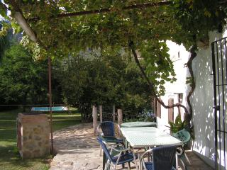 Casa rural,5 habitaciones dobles, piscina privada, wifi, vistas al río y montaña