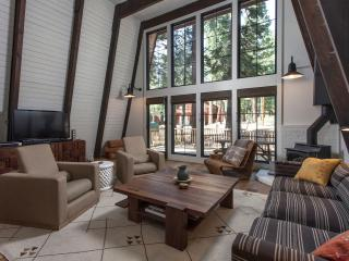 Oliver Completely Remodeled Cabin - Hot Tub, Lake Tahoe (California)