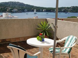 Comfortable apartment with sea view in Santa Ponsa
