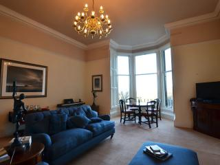 Grand apartment with panoramic view, Edinburgh