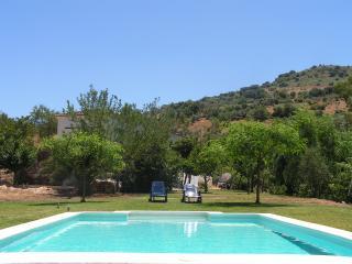 Casa rural molino cruz, piscina privada, wifi, vistas al rio y montana