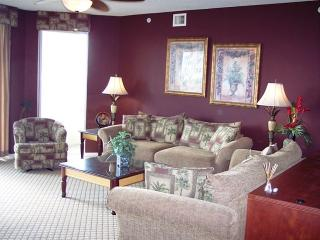 SUMMER SAVINGS!! 3BR/3BA W/ POOL & WATERWAY VIEW, North Myrtle Beach
