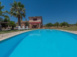 Chalet con piscina privada y jardin