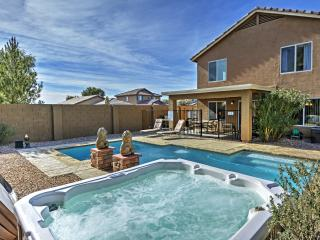 Beautifully Appointed 4BR Coolidge Home w/Private Pool, Hot Tub & Wifi - Quiet Location, 30 Minutes From Shopping, Golfing & 1 Hour to Downtown Phoenix!