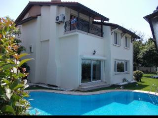 PRIVATE FAMILY VILLA IN ISTANBUL ZEKERIYAKOY
